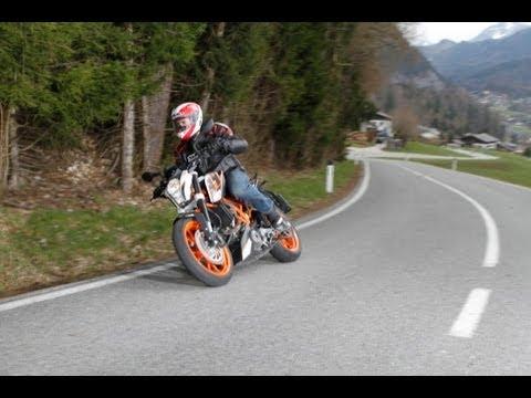 Essai KTM Duke 390