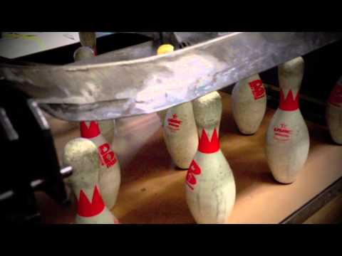 How a bowling alley pin machine works - behind the scenes - CLOSE UP