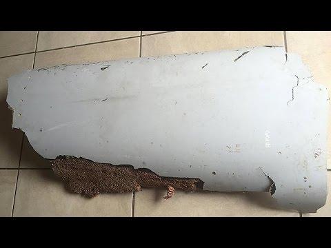 """""""Son bulunan parça büyük ihtimalle kayıp Malezya uçağına ait"""""""