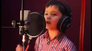 Small cute KID singing a romantic beautifull song
