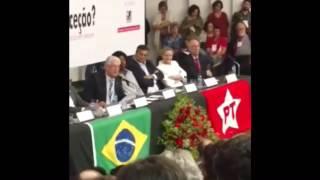 Sen. Roberto Requião e Dep. Benedita da Silva sugerem fim do diálogo e o derramamento de sangue