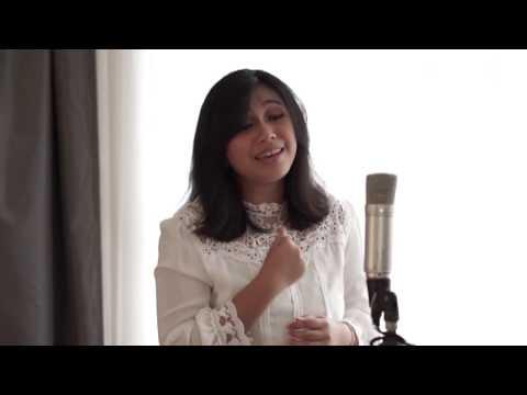 Download Yorri Violeta - Berhenti Berarti Live Version Mp4 baru