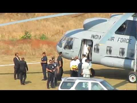 Manmohan Singh landing in Goa Institute of Management