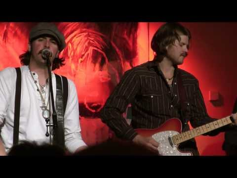 Micky And The Motorcars - Never Been Out West