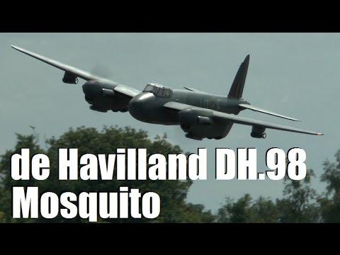 GIANT RC SCALE de Havilland DH.98 MOSQUITO: COSFORD LMA SHOW 2014