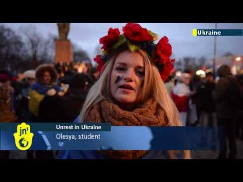 Kiev pro-EU protests continue: thousands of Ukrainian students rally for closer ties with Europe