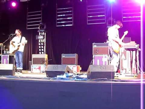 Thom Yorke&Jonny Greenwood - Street Spirit (Fade Out) - Glastonbury 2010 - RADIOHEAD