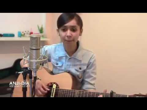 Cewek Cantik main gitar - Dia Anji -Tuhan ku cinta dia
