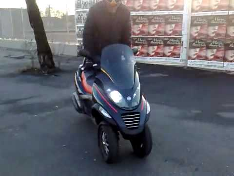 Piaggio mp3 250 vs mp3 400 Review