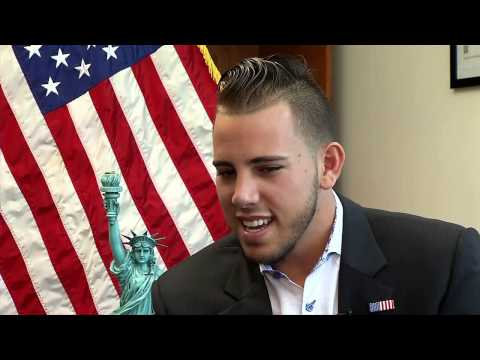 Jose Fernandez lives out dream in becoming U.S. citizen