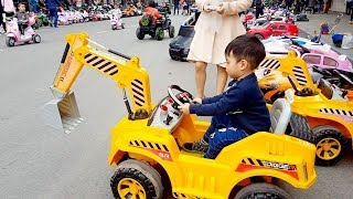Ambulance, Trucks, Backhoe, Excavators, Fire Truck and Police Car and manu other Toys63