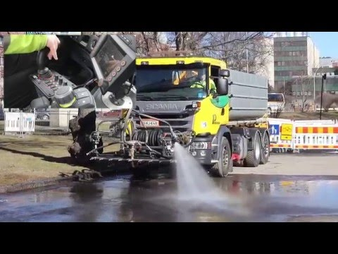 Arctic Machine Oy - AM SCW street washer and AM LQT water tank