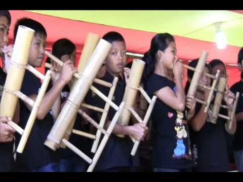 Musik Bambu - Bamboo Music - Toraja Culture - Tana Toraja - Indonesia Travel Guide (Tourism)