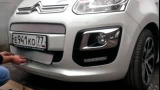 Видео: Установка защиты радиатора Citroen C3 Picasso 2013 хром