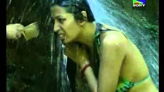Download Kashmira Mona Bath IJSMB 25 8 09 3Gp Mp4