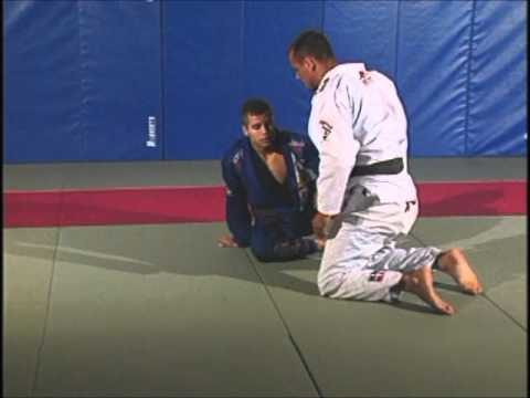 Leo Vieira BJJ - Omoplata sweep from closed guard Image 1