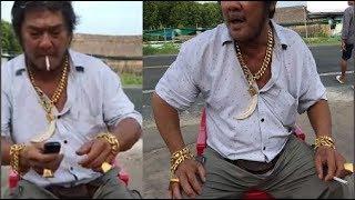 Người Đàn Ông Đeo Gần 200 Cây Vàng Xuất Hiện Giữa Đường Nhìn Mà Choáng