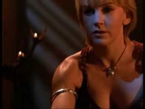 Xena/Gabrielle - Falling/Bizarre Love Triangle (Xena: Warrior Princess music video)
