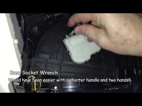 2011 Ford Taurus Clicking in the Dashboard – Repair of the recirculation door motor (easy)
