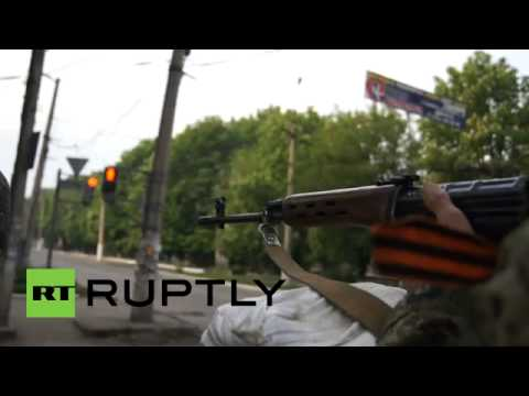 Video  Slavyansk self defenders guard barricades, prepare for 'Kiev offensive'