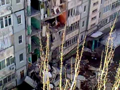 Astrahaņā sabrūk daļa deviņstāvu dzīvojamās mājas