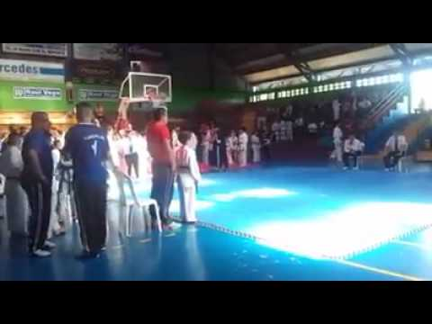 Combate de Gabriel Lacayo en taekwondo