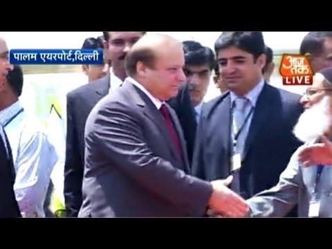 Pak PM Nawaz Sharif arrives at Delhi