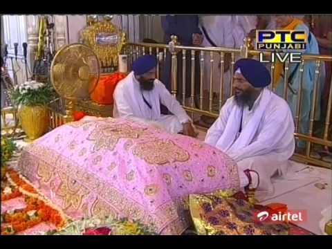 Kayaa Khoob Gaavata Hai{bhai Harcharan Singh Ji Khalsa} video