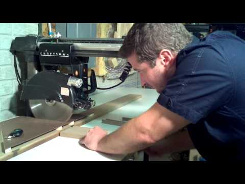Dust shroud for radial arm saw