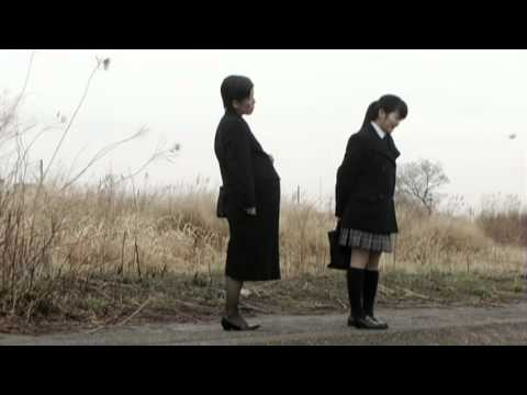 """叔母と暮らしている野々村亜美は腹違いの兄ヒロシの看護の為、彼の家で一緒... """"くりい"""