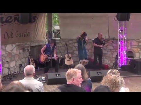 Patricia Vonne & Robert LaRoche ~Viva Bandolera~LIVE IN AUSTIN TEXAS at Guerro's