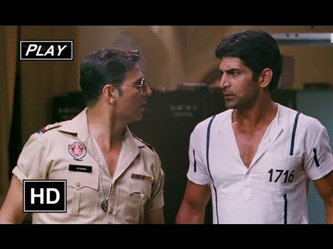 Bahattar Singh Rescues Azad From The Police - Khiladi 786