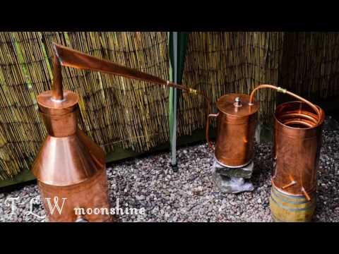 Brand new copper moonshine whiskey making still