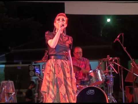 Perform Djaduk Ferianto Kua Etnika 9 feat Syaharani