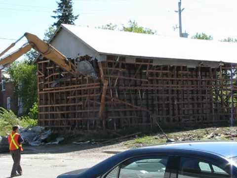 GieslerBoat Shed in Powassan coming down