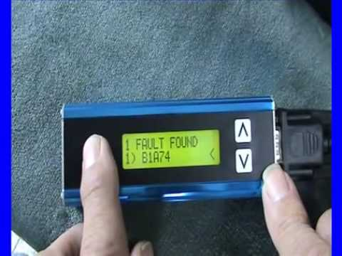 The New Faultmate FCR (Fault Code Reader) being used on a Discovery 3.