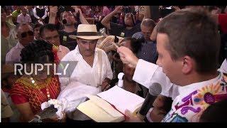 عمدة مكسيكي يتزوج تمساحاً