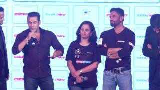 Salman Khan Giving Gym BODY Building Workout & Fitness Tips
