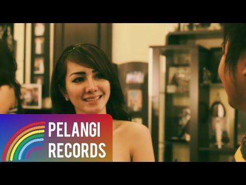 Fatik Band - Suka Pacar Orang (Official Music Video)