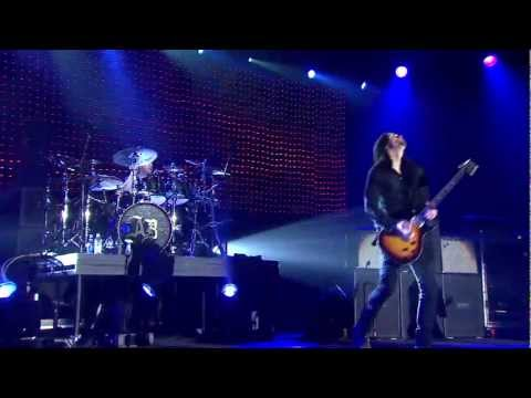 Alter Bridge Live from Wembley - &quot;Blackbird&quot;