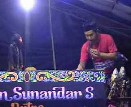 Wayang Golek & Lawak - 2 video