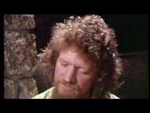 Luke Kelly - Scorn Not His Simplicity Music Videos