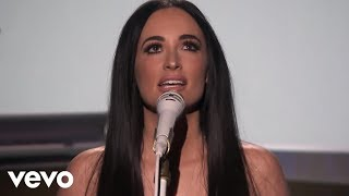 "Kacey Musgraves - 米NBC「The Tonight Show Starring Jimmy Fallon」にて""Space Cowboy""を披露 ライブ映像を公開 thm Music info Clip"
