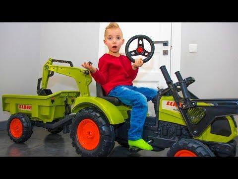 Почему так получилось? FUNNY BABY Unboxing And Assembling The POWER WHEEL Ride On Tractor