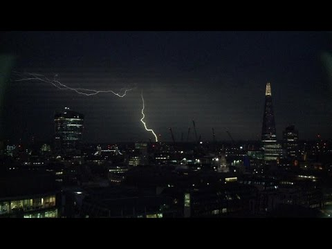 Spectacular Lightning Storm Hits London video