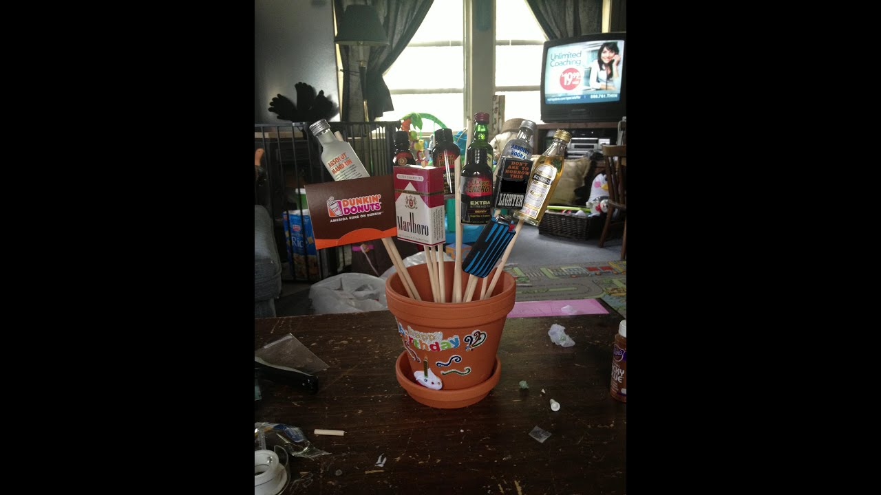 Man bouquet perfect fathers day gift youtube for Idea door gift diy