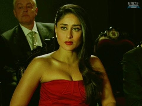 Kareena Kapoor tricks an old man - Agent Vinod