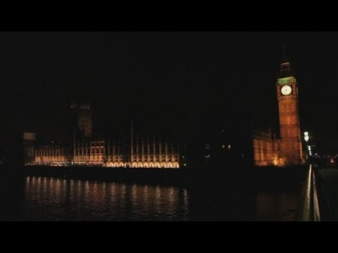 Earth Hour 2014: Big Ben and other famous world buildings go dark