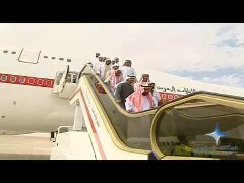 خليفة يعود إلى الوطن ومحمد بن راشد في مقدمة مستقبليه