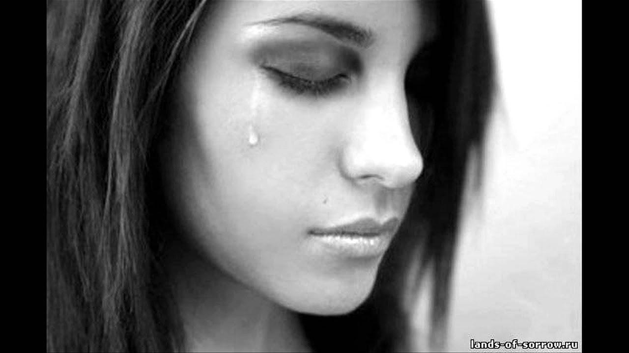 Фото плачущей брюнетки 8 фотография
